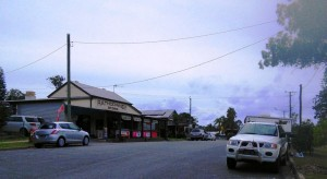 Early Saturday commerce in Rathdowney