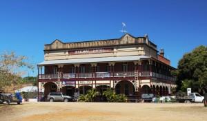 The Railway Hotel, Ravenswood