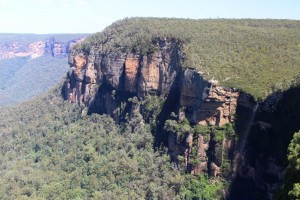 Govetts Leap Falls and cliff face.