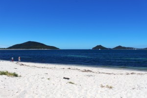 That entrance again but this time from Winda Woppa Beach, near Hawks Nest.