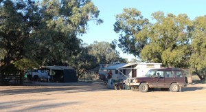 Vans on the powered sites naer the shearers quarters