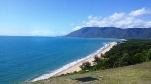 The coast south of Port Douglas
