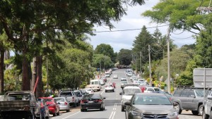 The busy roadway of Gallery Walk