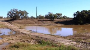 The old causeway over King Creek south of Bedourie