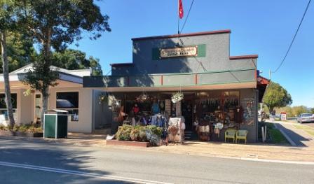 Tourist shop in Kenilworth main street